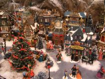 ChristmasVillage051.jpg