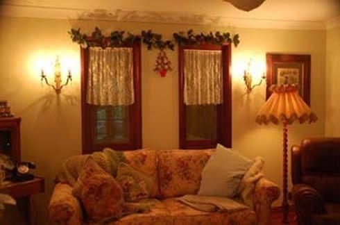 christmashouse29112010001.jpg