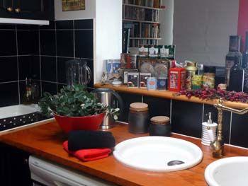Kitchen2_001.jpg