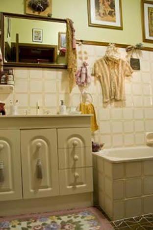 Bathroom3_000.jpg
