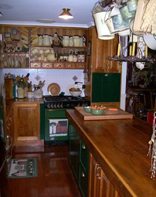 Kitchen5_000.jpg