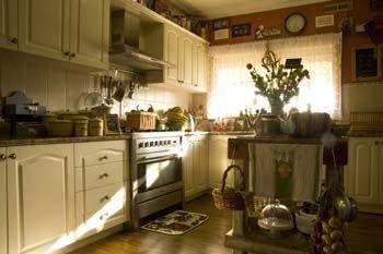 Kitchen2_000.jpg