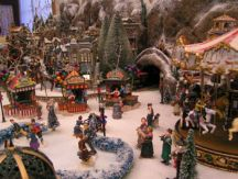 ChristmasVillage044.jpg