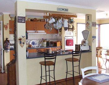 Kitchen3_000.jpg